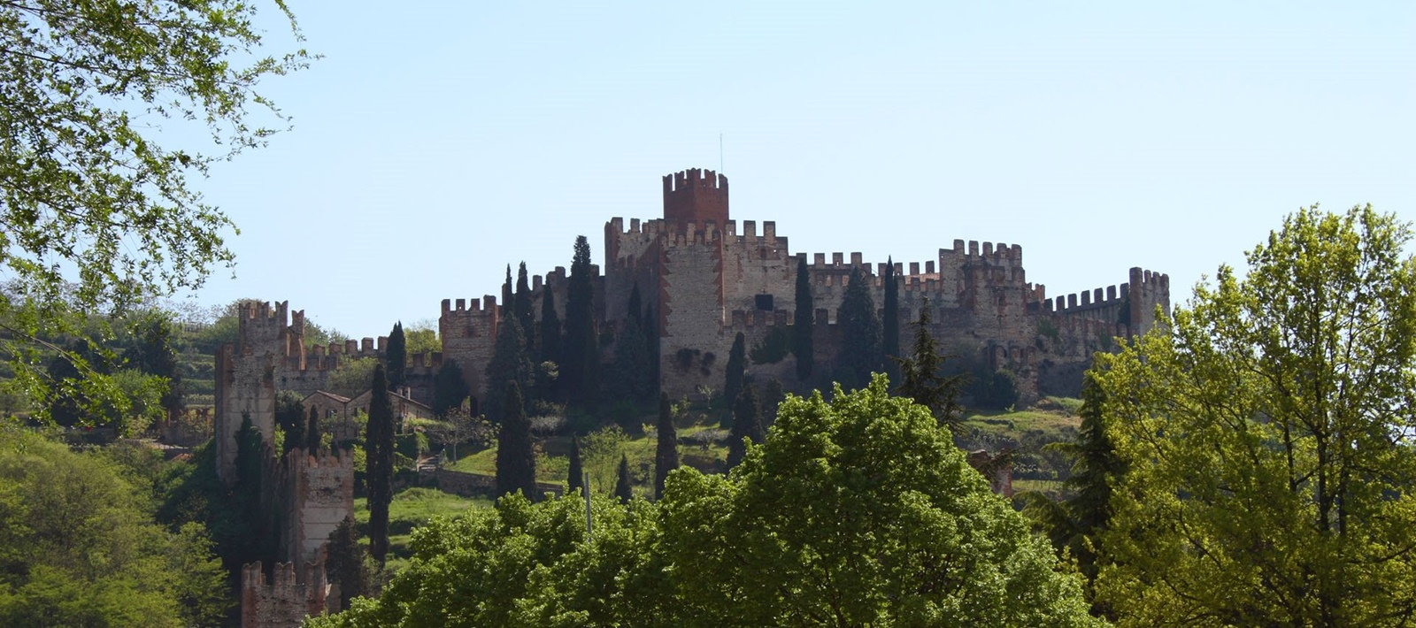 Welcome to the official website of Soave Castle